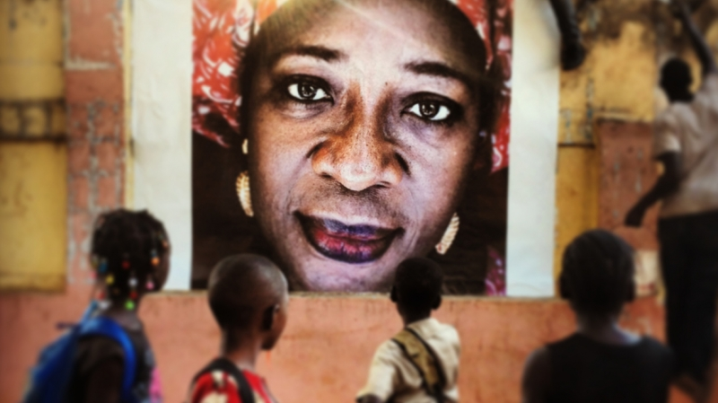 Public displays similar to this are planned throughout Mali. Credit: Vincent Tremeau/Oxfam