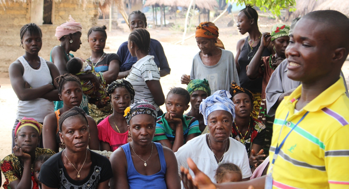 Community information session on Ebola in Sierra Leone